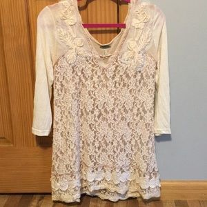 Gimmicks lace top!